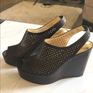 COACH OPEN TOE WEDGE SHOES. DARK BROWN SIZE 10.